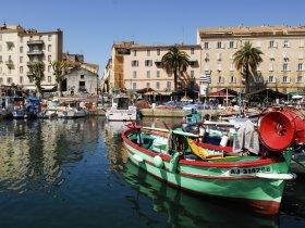 Korsika und Sardinien – Entdecken Sie die wilden Mittelmeerschönheiten.