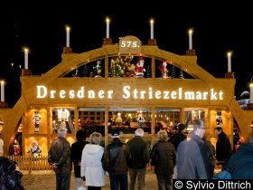 Bild: Striezelmarkt Dresden Eingang
