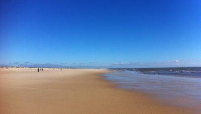 einsamer Strand an der Algave