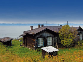 bBild: Transsibirische Eisenbahn Moskau Peking Moskau Am Baikalsee