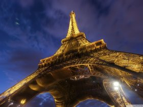 Bild: Paris Eifellturm bei Nacht