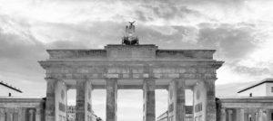 berlin-brandenburger-tor-schwarz-weiss