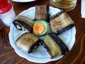 badridschani - georgische Spezialität aus Auberginen mit Walnußsoße