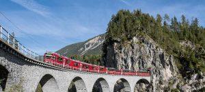 bernina-Express auf Viadukt-foto: ameropa reisen