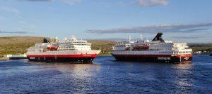 MS-Finnmarken-MS-Nordkapp-Berlevag-Norway. Im Schein der Mitternachtssonne