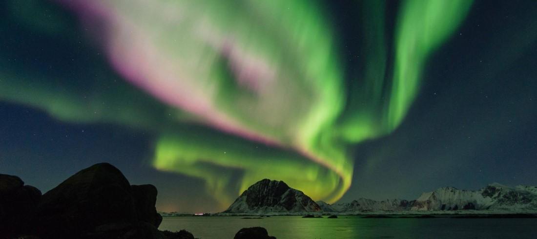 Polarlichter auf den Lototen. Foto von johannes Groll.