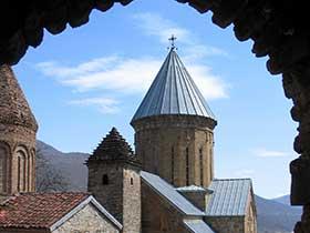 Georgien. Klosteranlage Ananuri an der Militärische Heerstrasse.