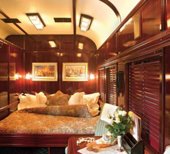 Innenansicht eines Luxuszuges im Double-Abteil