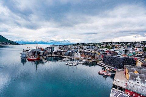 Blick auf Tromsoe, Start der Wanderreise