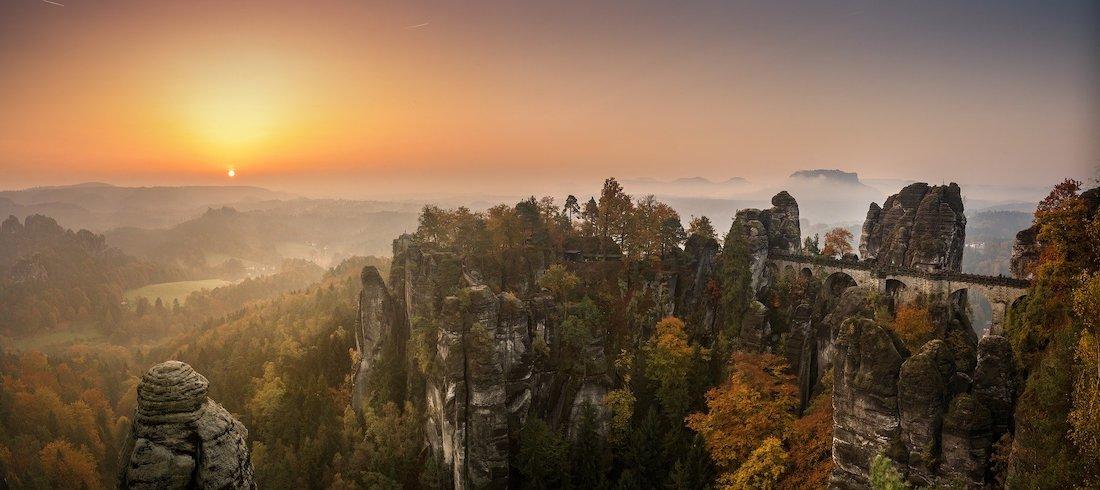 natur erleben in der sächsischen Schweiz. Bastei im Sonnenuntergang