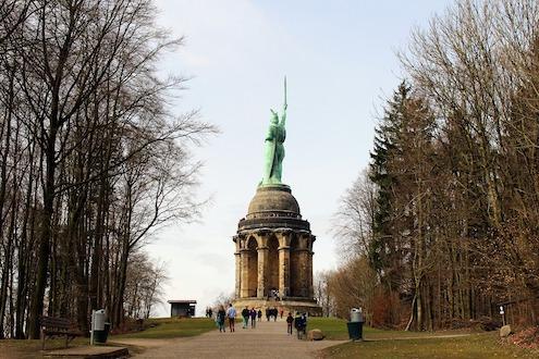 11hermann-memorial Teutoburger Wald