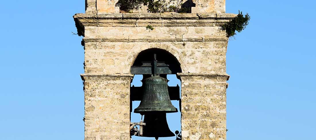 Glockenturm in Andalusien
